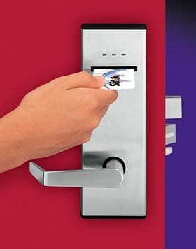 системи за заключване на входни врати